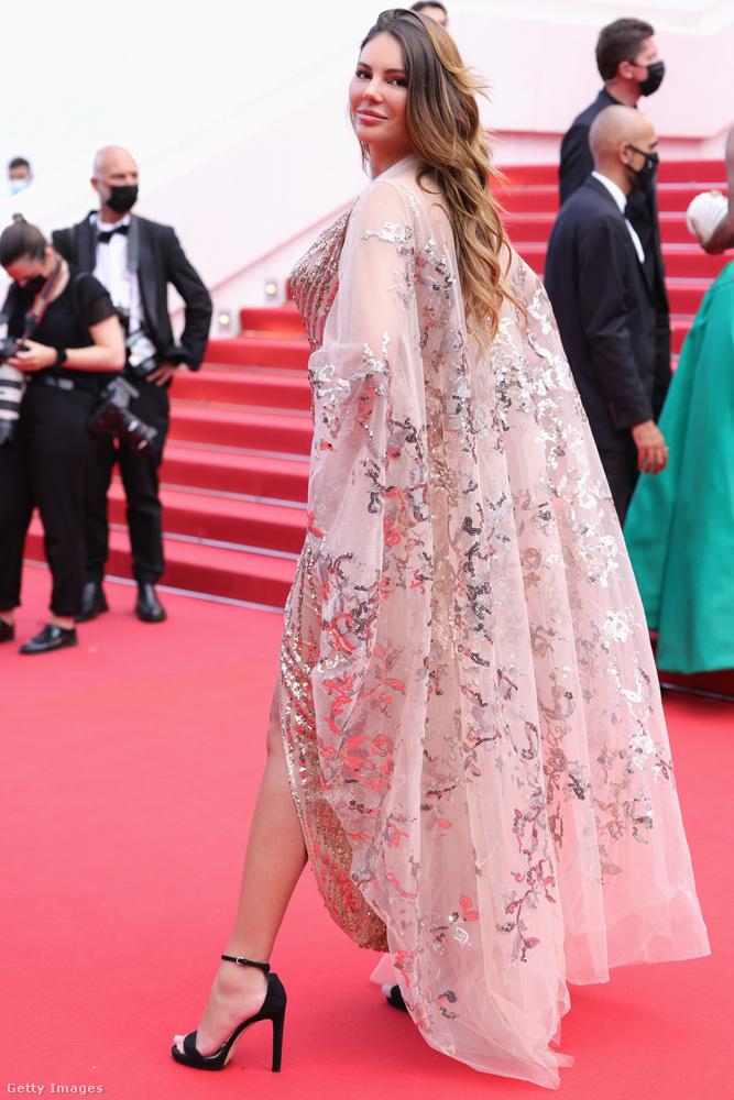 De ha már így beharangoztuk Cannes legkihívóbb ruháit, csodáljuk is meg őket, a legvisszafogottabbaktól a legmerészebbekig!