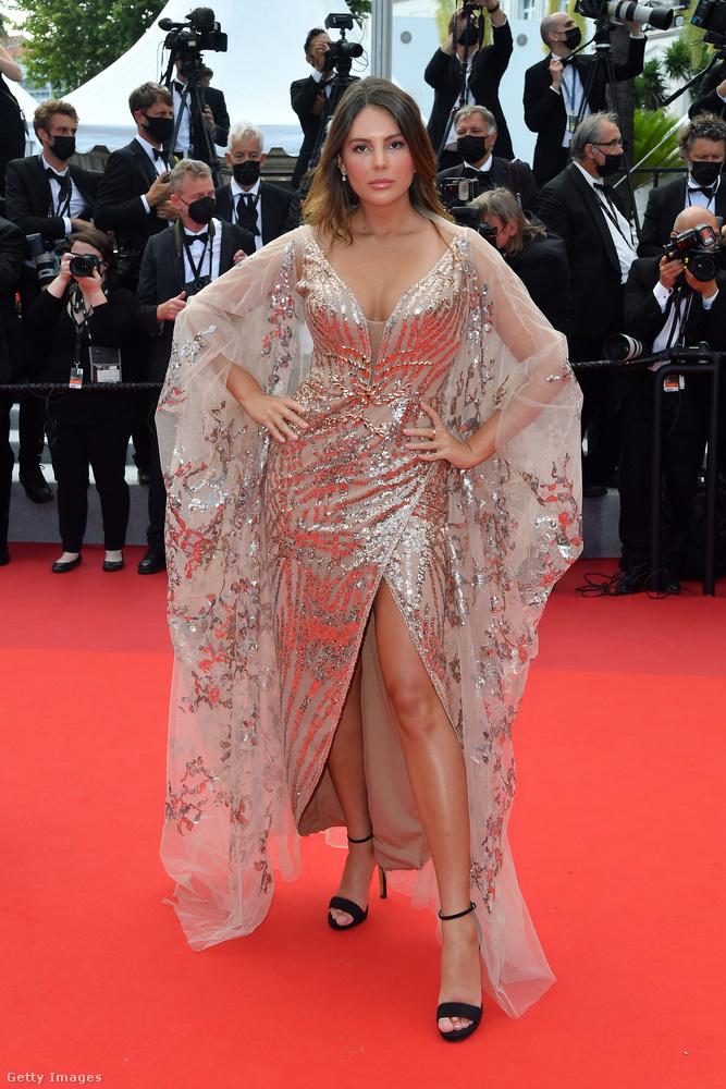 További, az idei Cannes-i Filmfesztiválon készült anyagainkat itt futhatja át