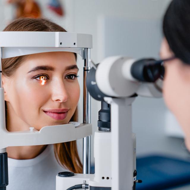 Tünetmentesen jelentkezik, visszafordíthatatlan látásromlást okoz: egy vizsgálat segít időben felfedezni a zöld hályogot