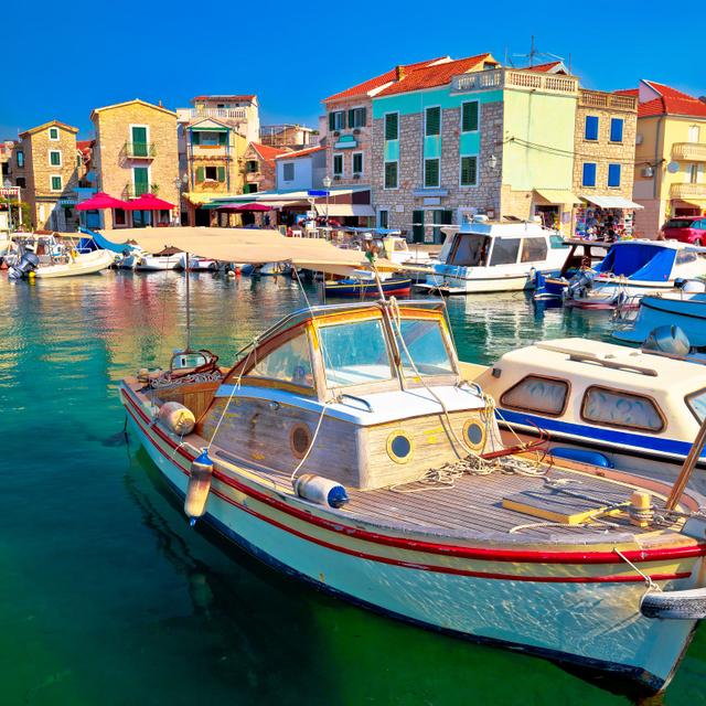 4 gyönyörű tengerparti város, ahova nyáron átszállás nélkül eljuthatsz: vidám strandok, tiszta víz vár