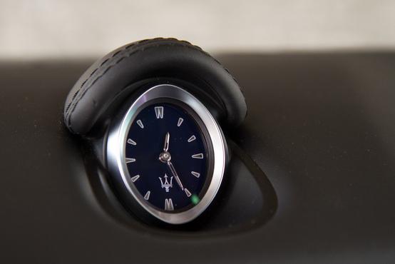 A kötelező MAserati-óra