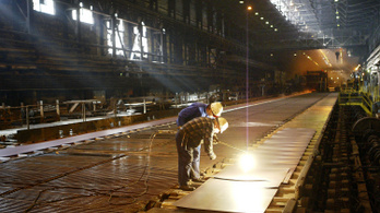 A bérajánlaton múlik, talál-e dolgozót a felpörgő ipar