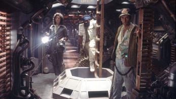 Összeköltözik Artu és Alien