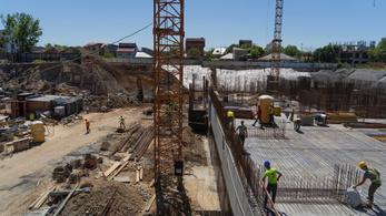 Árrobbanás jött az építőiparban, beavatkozik a román kormány is