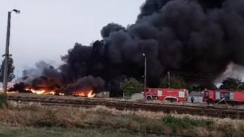 Elkapták a gyújtogatót, aki miatt a hatalmas műanyagraktár leégett