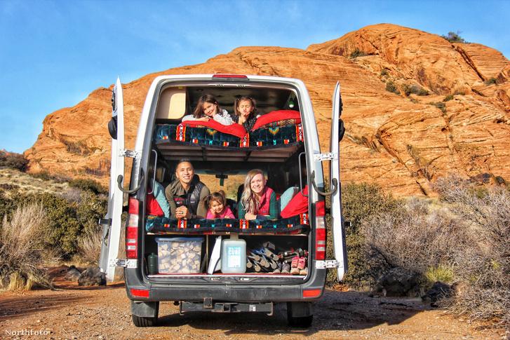 tk3s h mdrum crammed family van-1