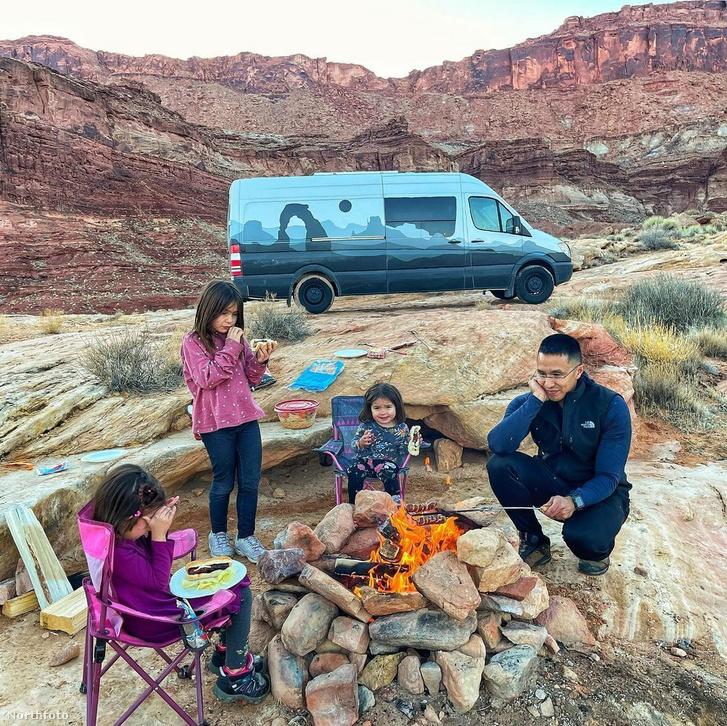 tk3s h mdrum crammed family van-20