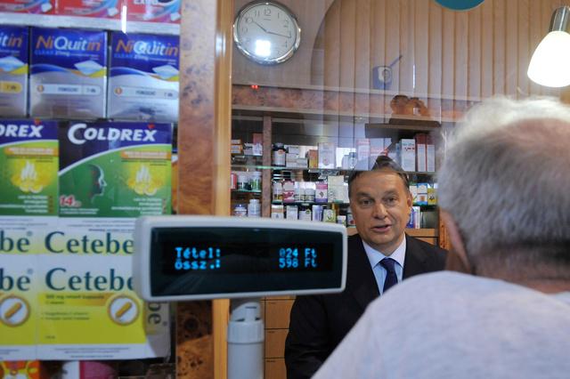 Orbán Viktor a patikában