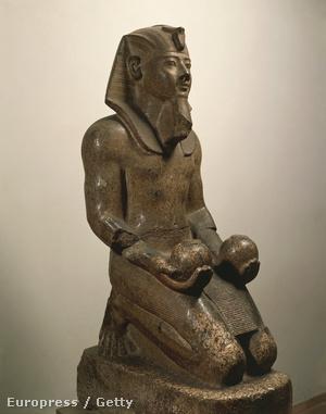II. Amenhotep szobra
