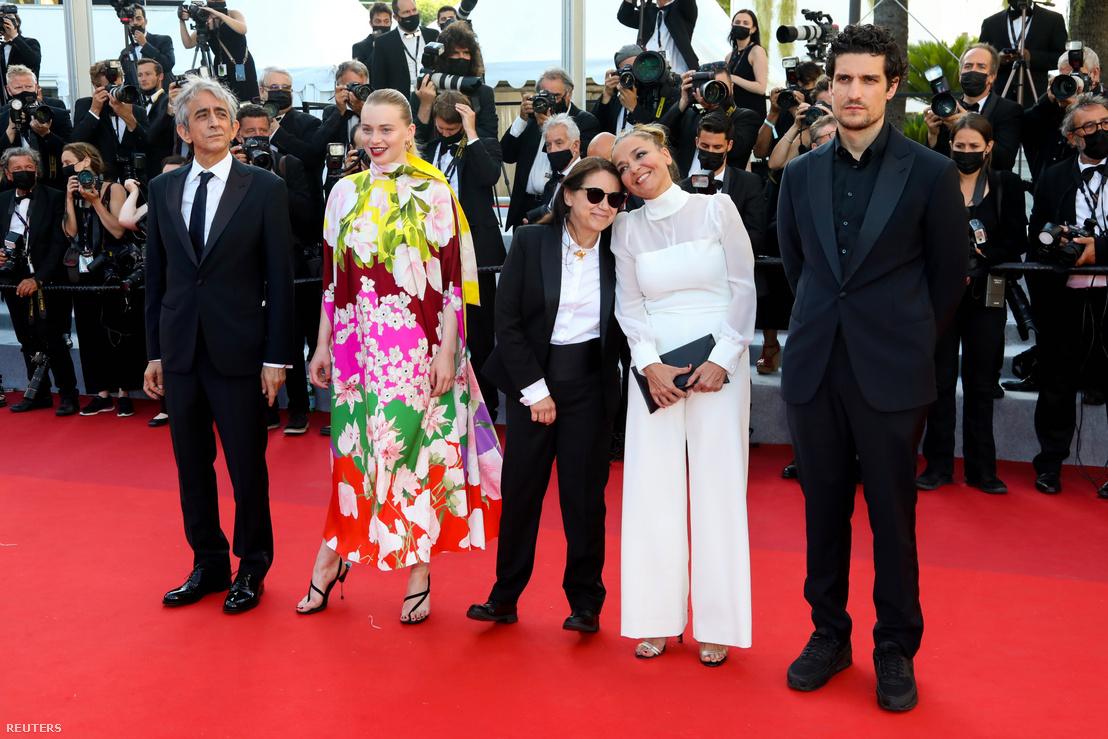 Sergio Rubini, Luna Wedler, Enyedi Ildikó, Mécs Mónika és Louis Garrel Cannes-ban