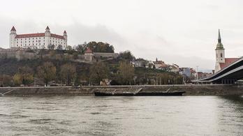 Jött az árvíz, félelmetes emelkedésnek indult a Duna vízszintje Pozsonynál