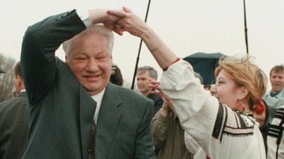 A titkos kéjlakba járó kultuszminiszter, a Gulagra került focista és a több értelemben is elázott Borisz Jelcin története.