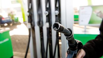 Szerdán tényleg történelmi rekordhoz érkezik a benzinár