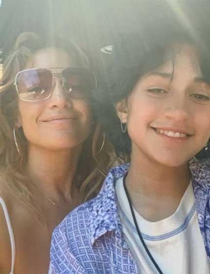 """""""Az én kis kókuszdióm"""" - írta lányára Jennifer Lopez. A rajongók szerint már nem is olyan kicsi, szépséges kamasz lett."""