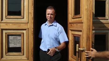 Büntetőeljárástól tartva beszüntette tevékenységét egy orosz emberi jogi szervezet