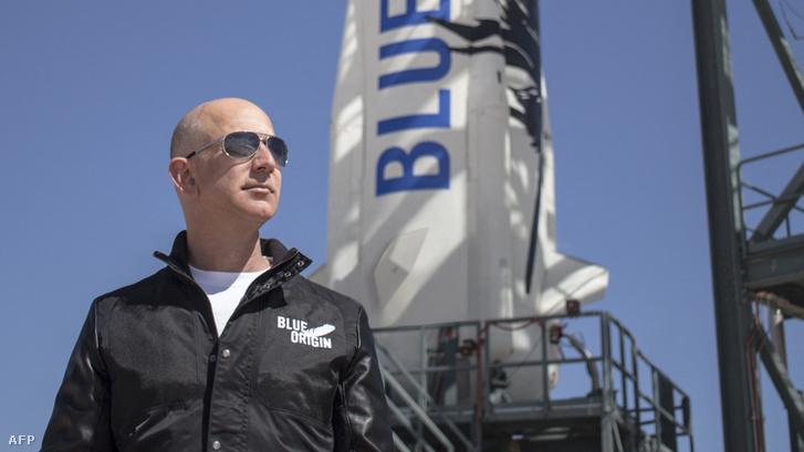 Jeff Bezos 2015. április 24-én