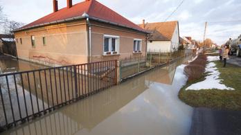Már most több milliárd forintnyi kárt okoztak a heves viharok