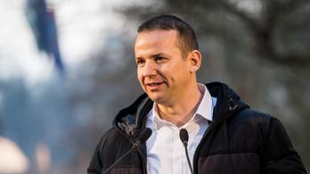 Jó nagyot bukott a Facebook: Toroczkai jött, látott, győzött?