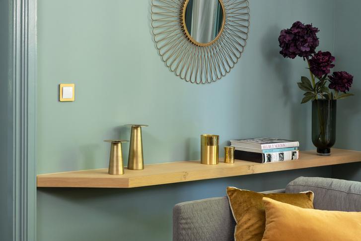 Nem csak a falhoz, a kiegészítőkhöz is illeszkedhet színében a villanykapcsoló