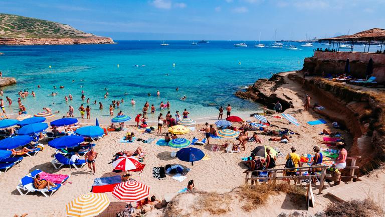 Hol menő és hol ciki nyaralni külföldön?