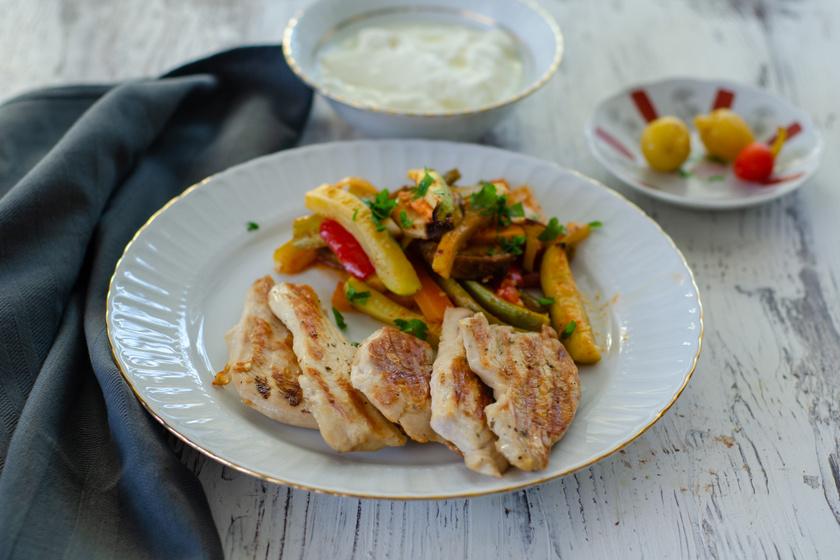 Joghurtos pácban érlelt omlós csirkemell: nem lehet abbahagyni, olyan finom