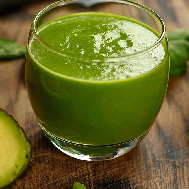 Vitaminbomba zöld turmix avokádóval: tartalmas és feltölt energiával
