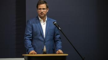 Megkérdezték, hogy Magyarország megvette-e a kémprogramot, Gulyás Gergely nem cáfolt