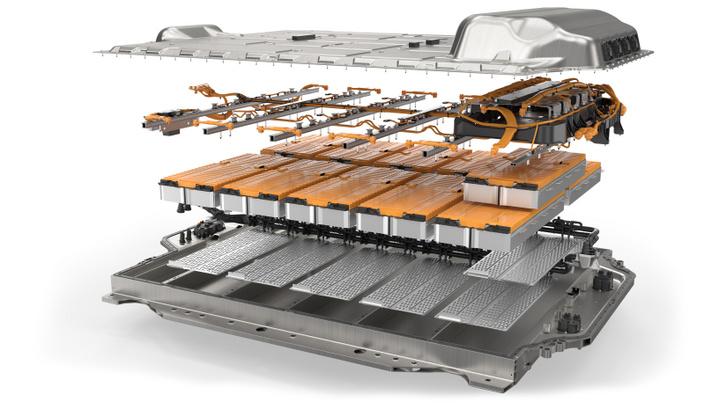 Kompakt, sorozatgyártásra optimalizált akkumulátor. Alul a védőtok, felette a hűtőfelület, ami felett a modulok, az elektromos vezetékek és a védőfedél