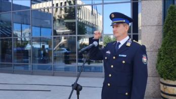 Videón a rendőrség néma segélykiáltása
