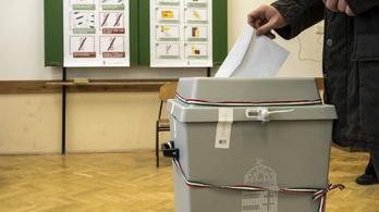 Nem várt sokat, már be is nyújtotta a népszavazás kérdéseit a kormány