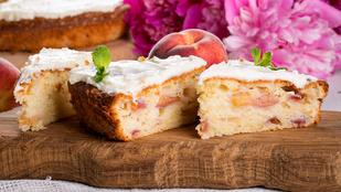 Fűszeres-őszibarackos kevert süti nyárra – egy kis karamellszósz teszi igazán érdekessé