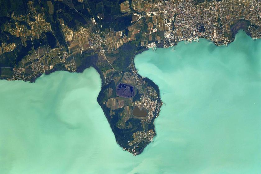 A Balatonról készült képeket a francia űrhajós június 3. és 18. között készítette 400 kilométeres magasságból.