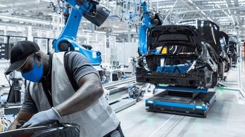 Hiába a chiphiány, jelentős nyereséget termelt a Daimler a második negyedévben