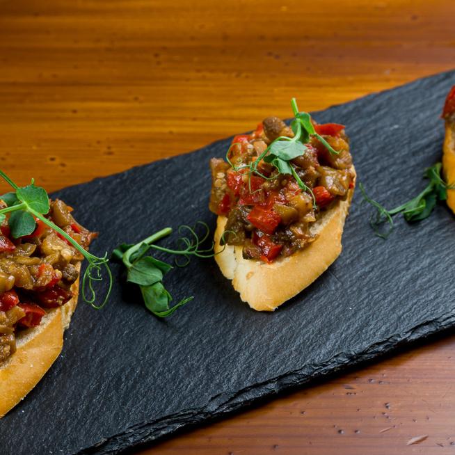 Könnyed, padlizsános bruschetta – Szuper előétel vagy gyors vacsora