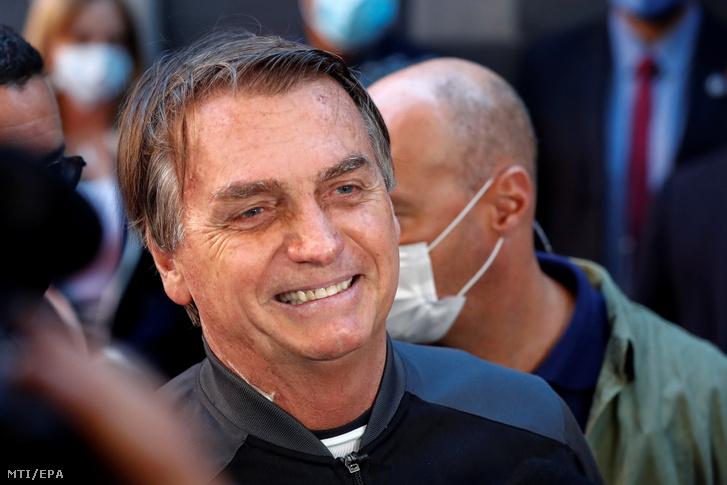 Jair Bolsonaro brazil elnök elhagyja a Sao Pauló-i Vila Nova Star magánkórházat 2021. július 18-án