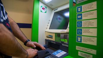 Ötezer alá csökkent a bankautomaták száma