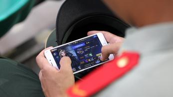 Egy transznemű nő meggyilkolását szimulálja a mobiljáték