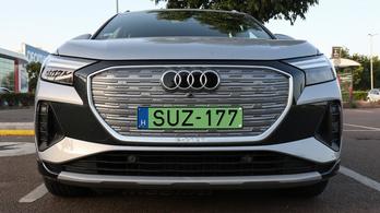 Hiába szükségtelen, az Audi a villanyautóin is tovább viszi a hűtőrácsot