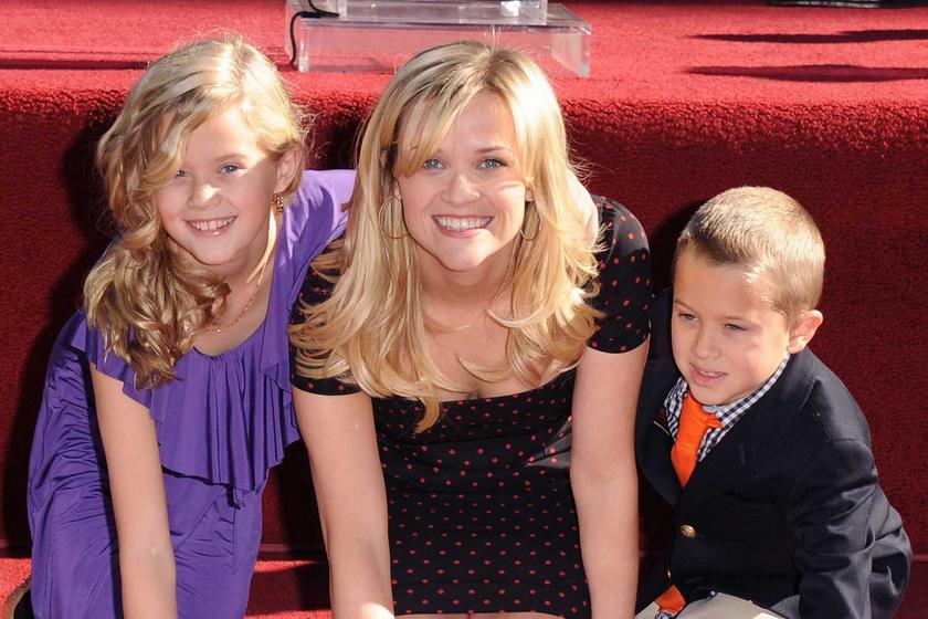 Mint két tojás! Reese Witherspoon és 21 éves lánya egyre jobban hasonlítanak