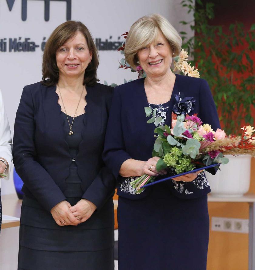 2019 novemberében a színes televízió feltalálójáról elnevezett életműdíjjal, Goldmark Péter Károly-díjjal tüntette ki a Nemzeti Média- és Hírközlési Hatóság.