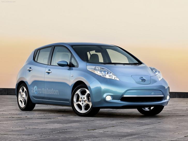 Mindent tudott, ami egy kompakt autótól elvárható volt, mindezt jövőbe mutató elektromos hajtással párosítva. Ennyi kellett a 2011-es Év Autója díjhoz