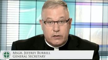 Melegbárokba járt a katolikus püspöki konferencia főtitkára, le kellett mondania
