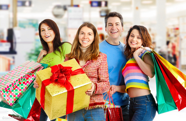 stockfresh 389572 happy-shopping-people sizeM