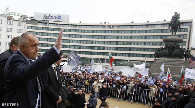 Boriszov a parlament épülete előtt csütörtök délelőtt