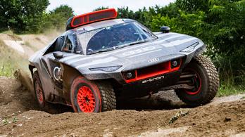 RS Q E-tron: az Audi csodaszörnye a Dakarra