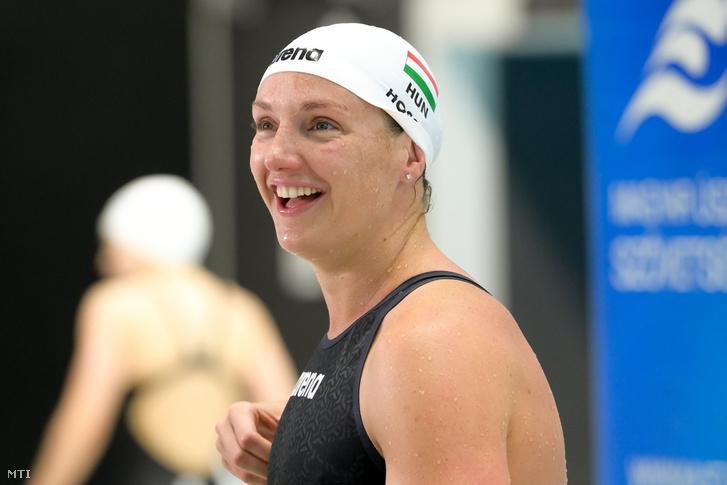 Hosszú Katinka a 200 méteres hátúszás döntője után az úszók országos bajnokságán a budapesti Duna Arénában 2021. március 26-án