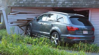Audi Q7-tel rongyoltak bele az amerikai történelem egy darabjába