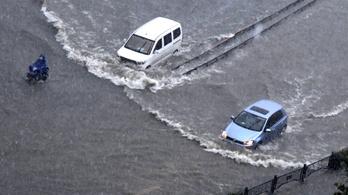 Több ezer embert kellett evakuálni az áradások miatt Manila környékéről