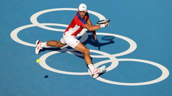 Elégedetlenek a teniszezők, Fucsovics Mártonnak is meggyűlhet a baja Tokióval