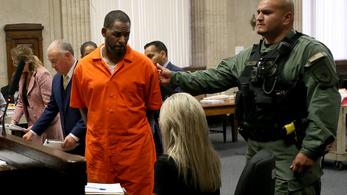 Újabb pedofilbotrányba keveredett a híres R&B énekes, R. Kelly